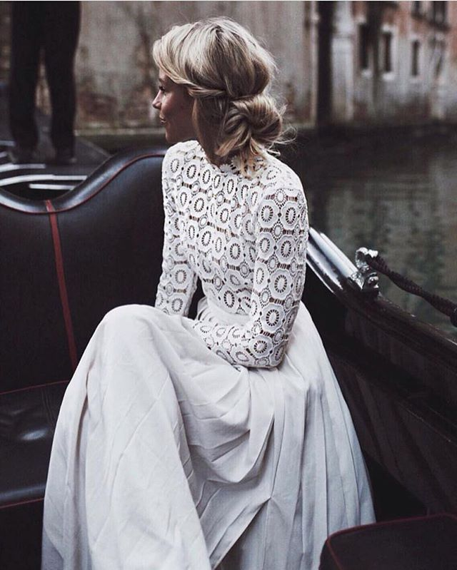 Modern Classic Beauty. #circavibes via @nouba_blog