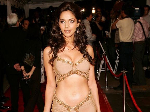 #MallikaSherawat #redcarpet #look