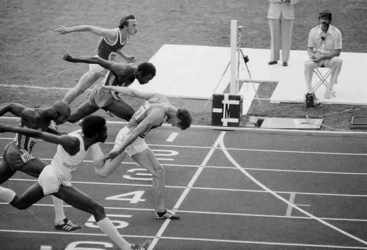 Guy Drut (FRA) throws at the line to win the 110 metres Hurdles ahead of Alejandro Casañas (CUB) at the Montréal 1976 Olympic Games. (© Raymond Depardon/Magnum Photos)
