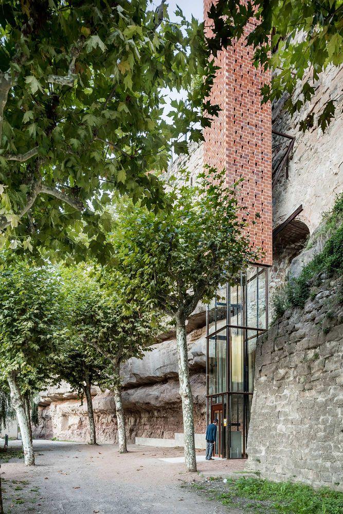 Galería - Acceso al centro histórico de Gironella / Carles Enrich - 6