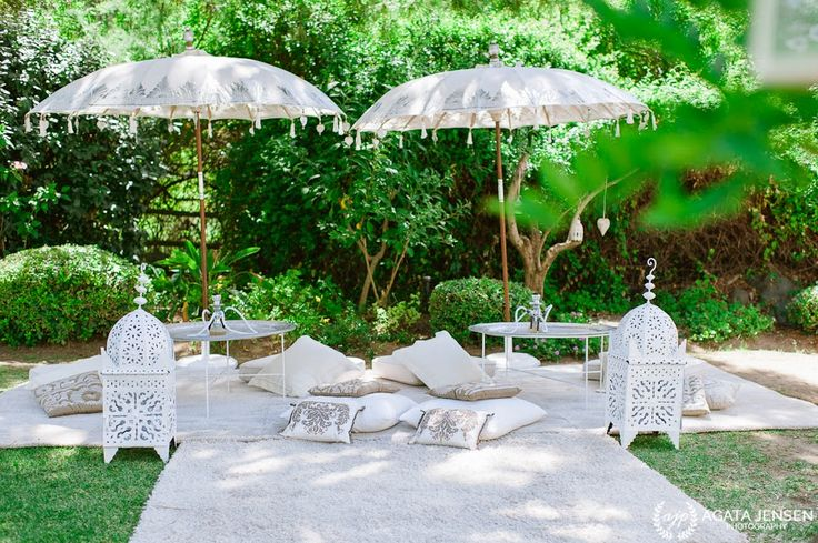 White Moroccan chill out are for weddings in Spain