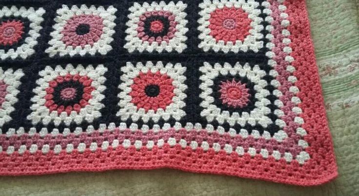 Sunburst granny square. Mantita crochet.