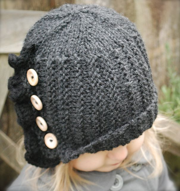 Cloche Hat Pattern Knitting : 243 best images about Couture Knit Cloche Hats on Pinterest Free pattern, K...