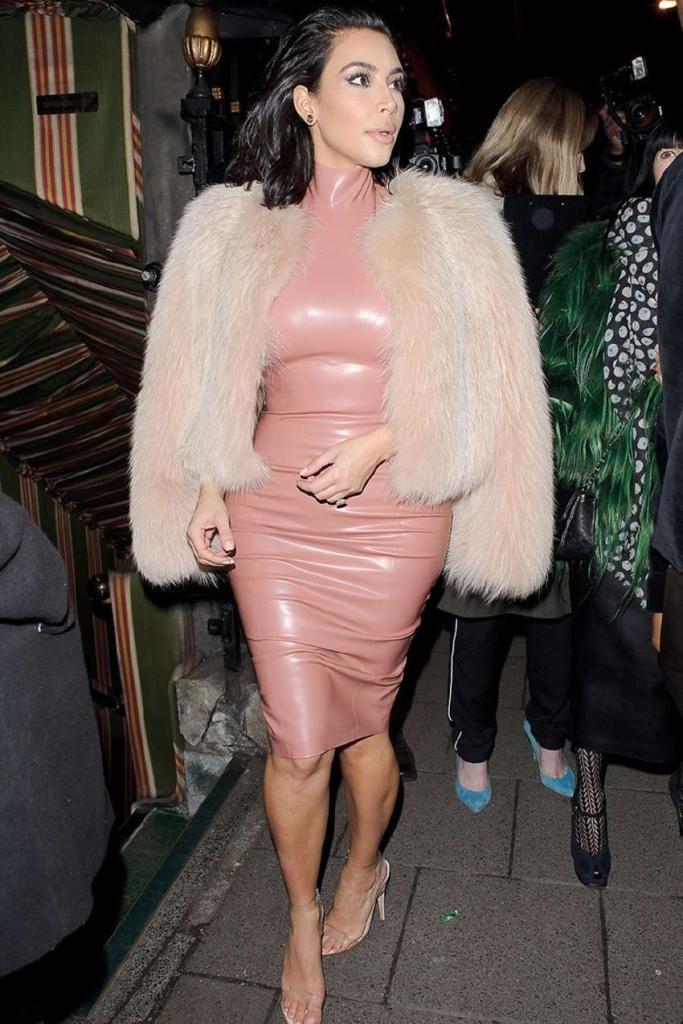 Kim Kardashian – Leather Dress out in London : Global Celebrtities (F) FunFunky.com