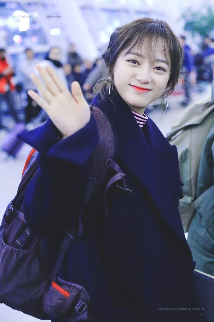 "170128 - Kim Sejeong @ Incheon airport to Sumatra, Indonesia for ""Law of the Jungle"" (cr.kimsejeongnet)"
