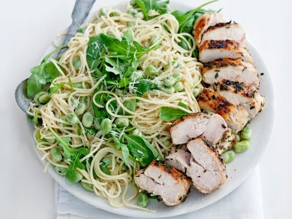 Spaghetti met tuinbonen en rozemarijnkip - Italiaans | Weekmenu