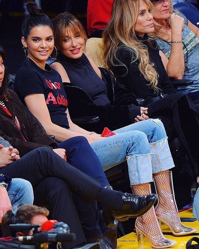 Kendall and Hailey at Lakers game tonight #kendalljenner #haileybaldwin
