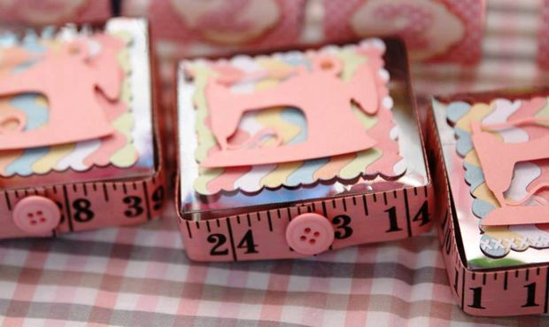 Caixinhas para doces personalizadas para costura em tema Lalalaloopsy