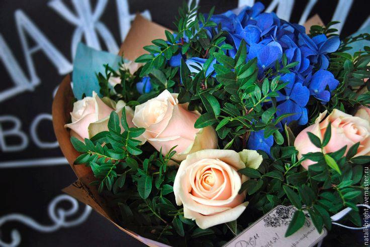 Купить Букет из цветов живых Синяя гортензия - букет из живых цветов, букет из цветов