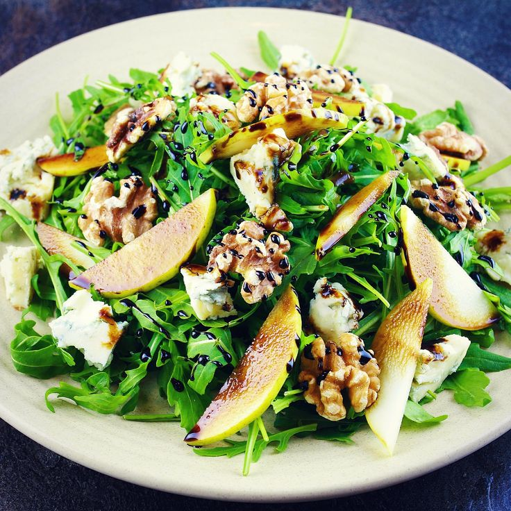 Rocket, Gorgonzola, Pears, Walnuts, Balsamic