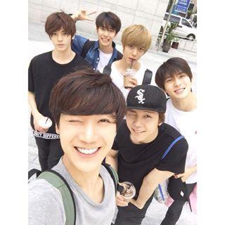 ☽❀☾ OMFG JOHNNY THAT WINK I CANT TAKE THIS ❤️❤️ but where's yuta  #smrookies #johnny #doyoung #taeyong #hansol #ten #jaehyun #rookies #sm #sment #smtown #smentertainment #smtrainees #trainees #sr14b #sr15b #korea #kpop #smtowncoexartium #artium #smtowncoex #boys #bae #bias #boysgeneration