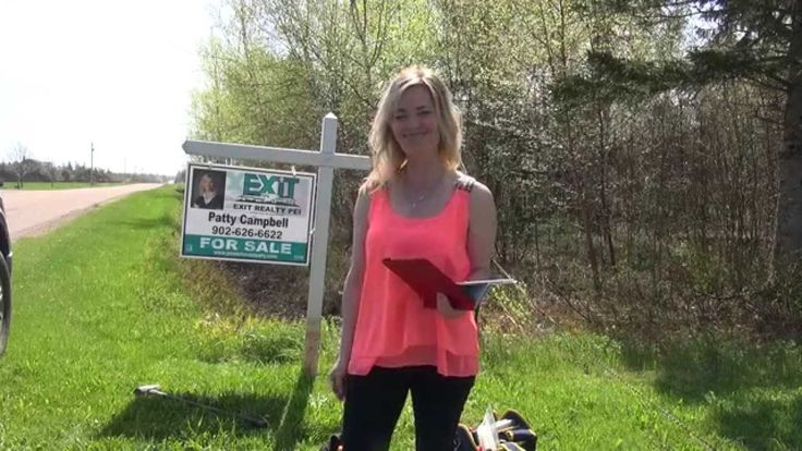 Real Estate Sign Installation! How to put up a real estate sign! PEI Rea...