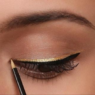 Gold liner! <3: The Hunger, Cat Eye, Eye Makeup, Makeup Ideas, Gold Liner, Gold Accent, Black Gold, Gold Eyeliner, Eye Liner