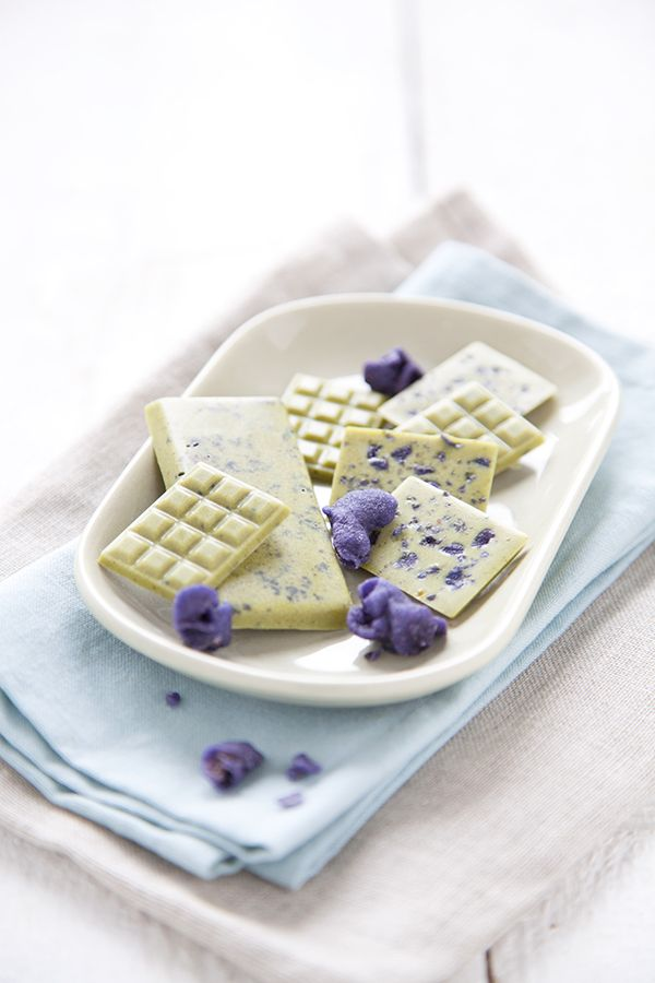 100% Végétal: Chocolats blancs matcha-violette ( + superfoods )