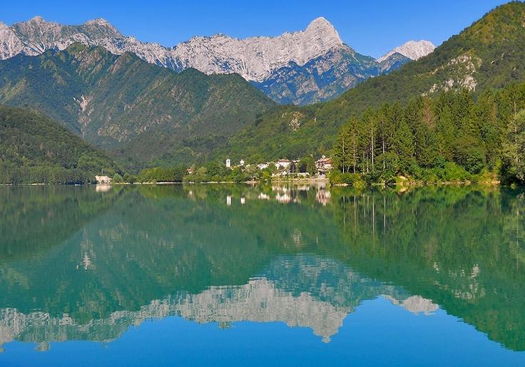 Lago di Barcis... solo in Italia!