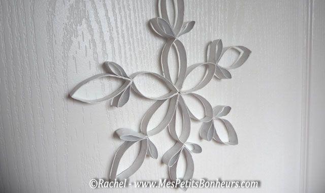 Bricolage de flocon avec des rouleaux de papier WC ou essuie-tout