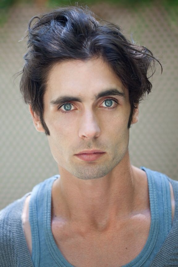 Tyson Ritter - All American Rejects Those dazzling eyes <3