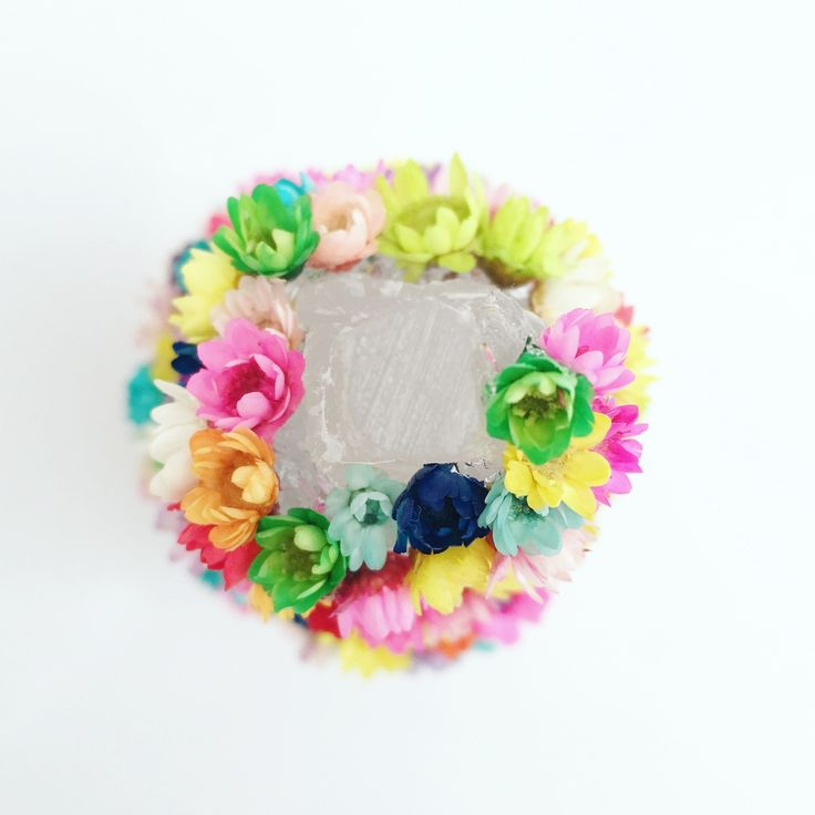 Precious crystals adorned with tiny and bright Little Blooming Wonder flowers that bloom for up to 10 years