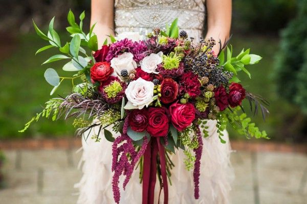 1000 images about red wine red burgundy wedding flowers for Bouquet de fleurs wine