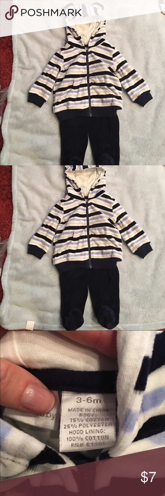 Blue and white sweat outfit. Cotton suit with zip up hoodie and has cute little ears on hoodie. Bottoms have footies so baby doesn't get cold. Really cute and will keep baby warm. Never worn. Bundle and save :) Koala Kids Matching Sets