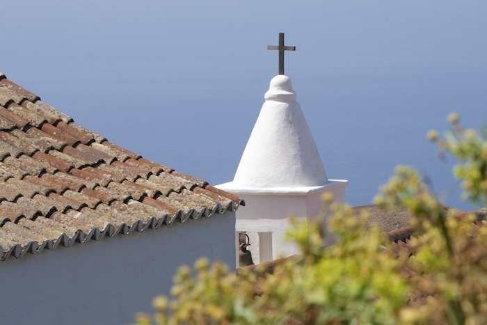 Chapel spire with the vast ocean beyond #ElHierro