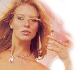 http://www.finnfeelings.fi/eshop/index.php  Den tidlösa smyckesdesignen - webbshop!
