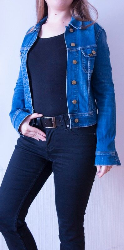 A perfect short denim jacket #denim #jacket #denimjacket