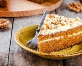 Carrot cake au glaçage léger à moins de 100 calories la