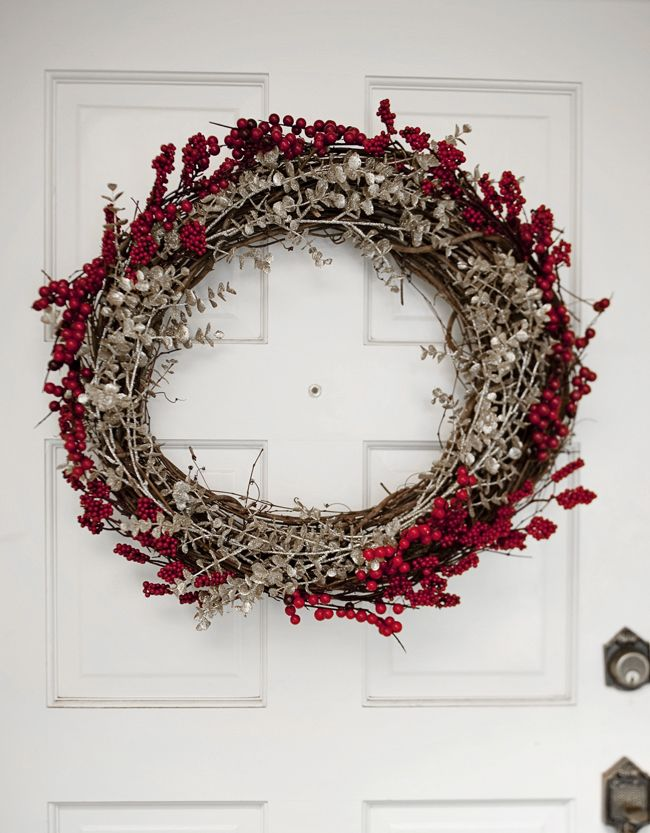 Easy to make holiday wreath Christmas wreath making