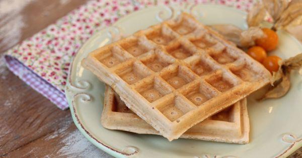 Aprenda a preparar a receita de Waffle de tapioca para um café da manhã fit. Anote a receita