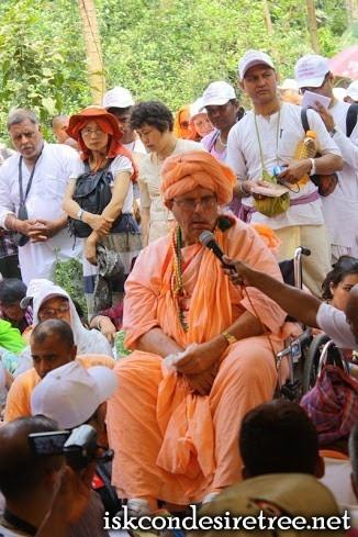 First Day of Navadvipa Mandala Parikrama (Internationa) 2013