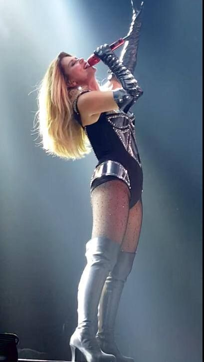 Shania Twain ❤ #RockThisCountry tour