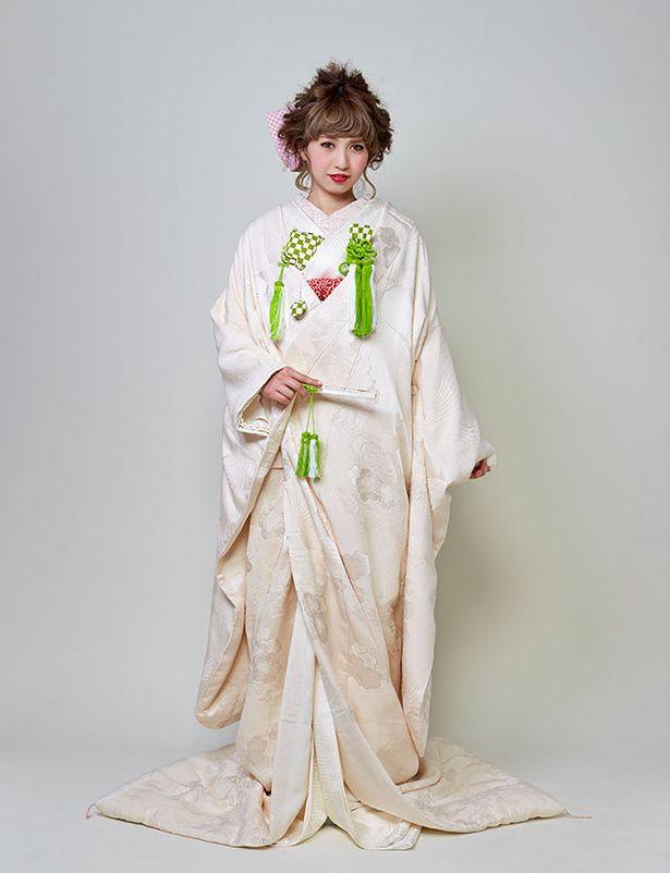 着物スタイルの新提案! 『ザ・スウィートクローゼット』のモダンな白無垢でおしゃれ花嫁に。