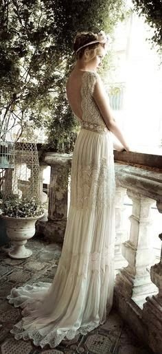 Romantic wedding dress with a touch of Bohemian meets Grecian!