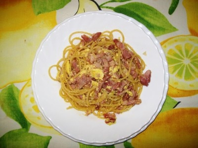 Spaghetti a la carbonara: my favorite pasta .... this recipe is very easy.
