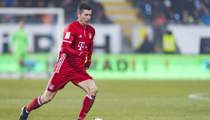 Bundesliga: Robert Lewandowski scores as Bayern Munich hammer 10-man Leipzig 3-0 #FCBayern  Bundesliga: Robert Lewandowski scores as Bayern Munich hammer 10-man Leipzig 3-0  Berlin: Robert Lewandowski converted a first-half penalty as Bayern Munich romped to a 3-0 win in Wednesdays Bundesliga showdown against ten-man RB Leipzig and opened up a decisive three point lead over their rivals.  Bayerns Thiago Alcantara and Xabi Alonso scored early goals before Leipzig winger Emil Forsberg was…