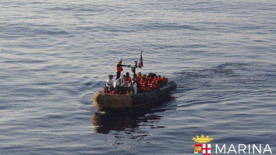 Offerte di lavoro Palermo  Operazioni delle navi della Marina Militare e della Guardia Costiera ancora in corso  #annuncio #pagato #jobs #Italia #Sicilia Migranti: soccorsi nel Canale di Sicilia quasi duemila in salvo