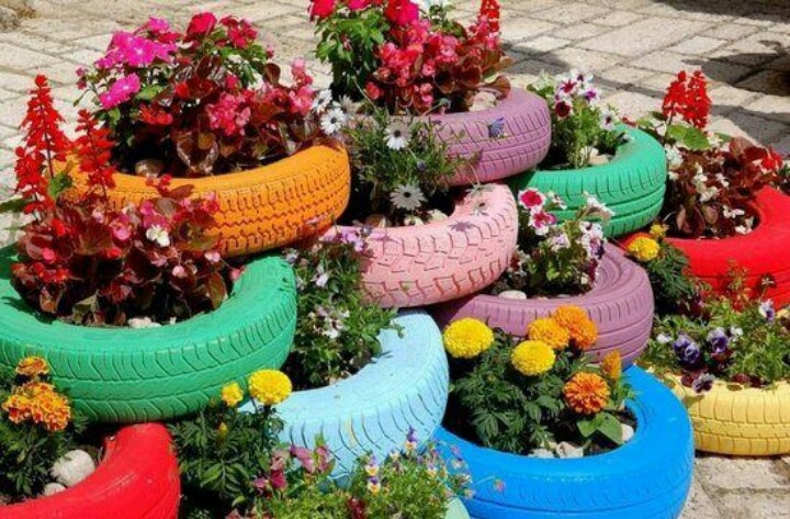 Tire flower bed these would look cool in front of msa for How to use old tires in a garden