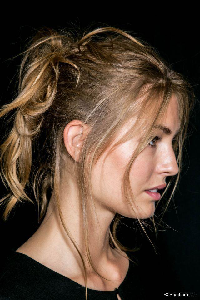 Messy high ponytail