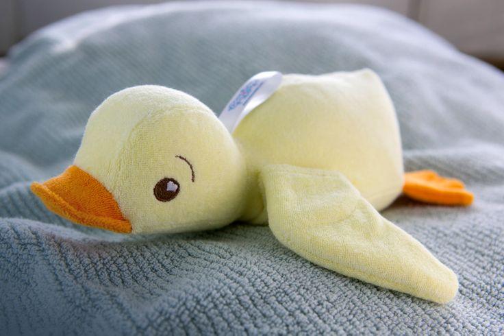 Słodka kaczuszka Emma uwielbia być małym pomocnikiem dziecka w kąpieli. #kaczka #kaczkadokapieli #kaczuszka #zabawkadokapieli #zabawkikapielowe #zabawawwannie #zabawawkapieli #kapiel #myjka