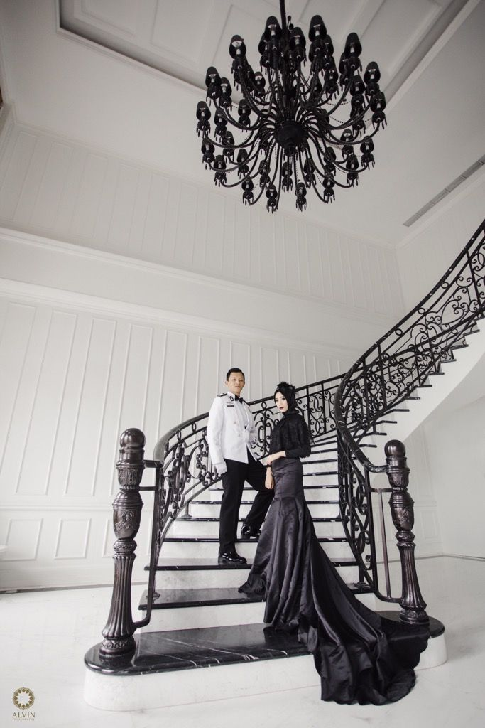 It's amazing how one day someone walks into your life and you can't remember how you ever lived without them. . . Courtesy from Pre Wedding of Sarah & Aldi Location Lafayette Hotel Yogyakarta Follow our new account and enjoy the gallery @alvinstudio Check our website for the other photos at www.alvinphotography.co.id