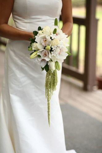 № 078 - Круглый свадебный букет из бутонов лилии, орхидей и амарантом
