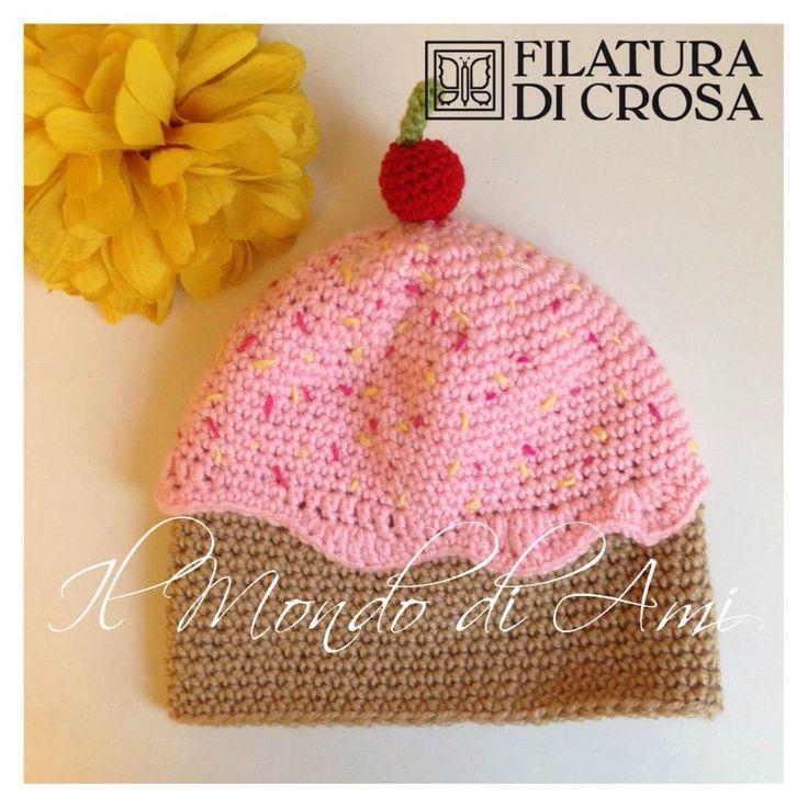Berretto Cupcake per bimba, realizzato con filato Zarina e microfibra Excellent Baby di Filatura di Crosa. Uncinetto fatto a mano. Handmade crochet. Cupcake  hat.
