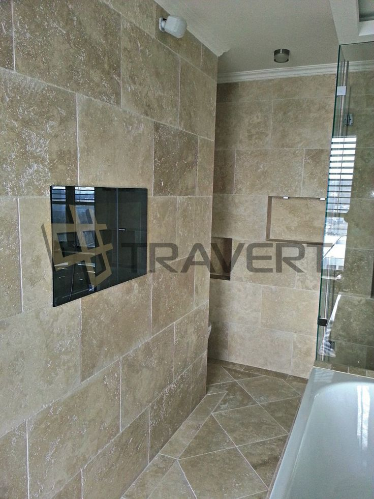 Rodičovská kúpeľňa z Travertínu Ivory Light nevyplneného omieľaného v Bratislave   Travert s.r.o.http://travert.sk/referencia/rodicovska-kupelna-z-travertinu-ivory-light-nevyplneneho-omielaneho