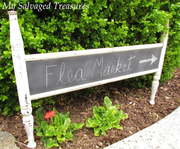 love this chalkboard sign made from a footboard: Repurpo Ideas, Chalkboards Stores Signs, Chalkboards Paintings, Gardens Signs, Repurpo Beds, Chalkboards Signs, Chalkboards Footboard, Beds Frames, Beds Repurpo