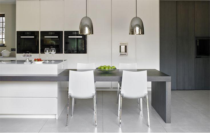 Wimbledon Kitchen Luxury Kitchen Design By Brayer Kitchen Island Dining Table Kitchen Island And Table Combo Luxury Kitchen Design