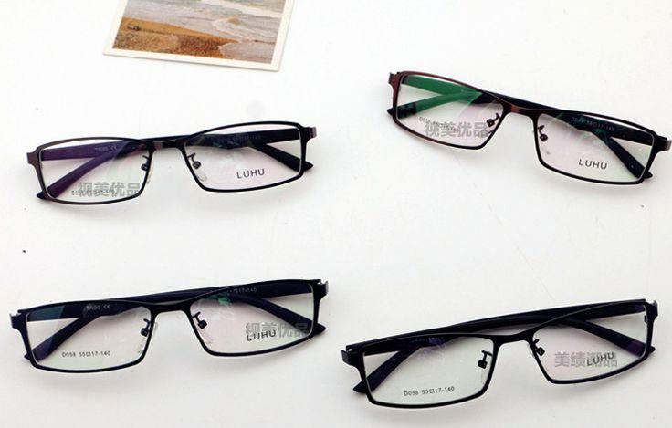 男性におすすめ、古典風と現代のトレンド要素を加えた眼鏡。クラシックメガネの特集ページ。今押さえておきたいメンズ用メガネはこちら。