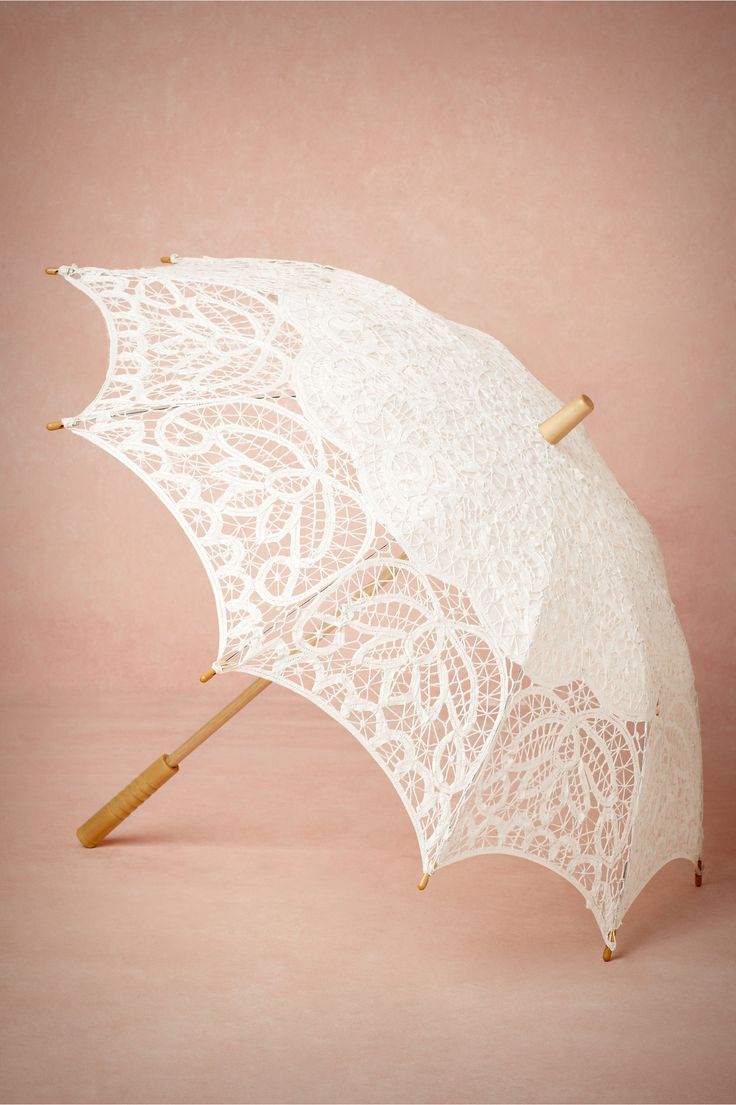 Picturesque Parasol from BHLDN // cute + vintage // #mwbridalstyle #bhldnbride