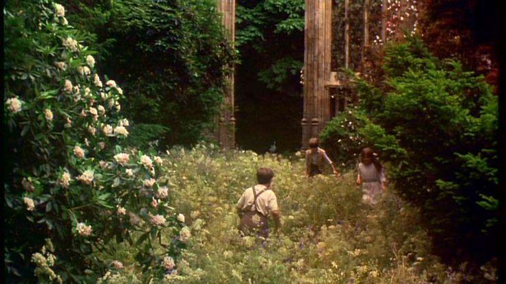 "☾ ◖ ◐ 栀 ◑ ◗ ☽: ""Where you tend a rose, a thistle cannot grow"""