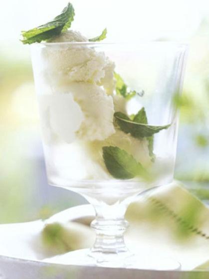mint: Basil Leaves, Fun Recipes, Basil Ice Cream, Cream Sugar, Mint Ice Cream, Homemade Mint, Homemade Ice, Herbs Recipes, Icecream